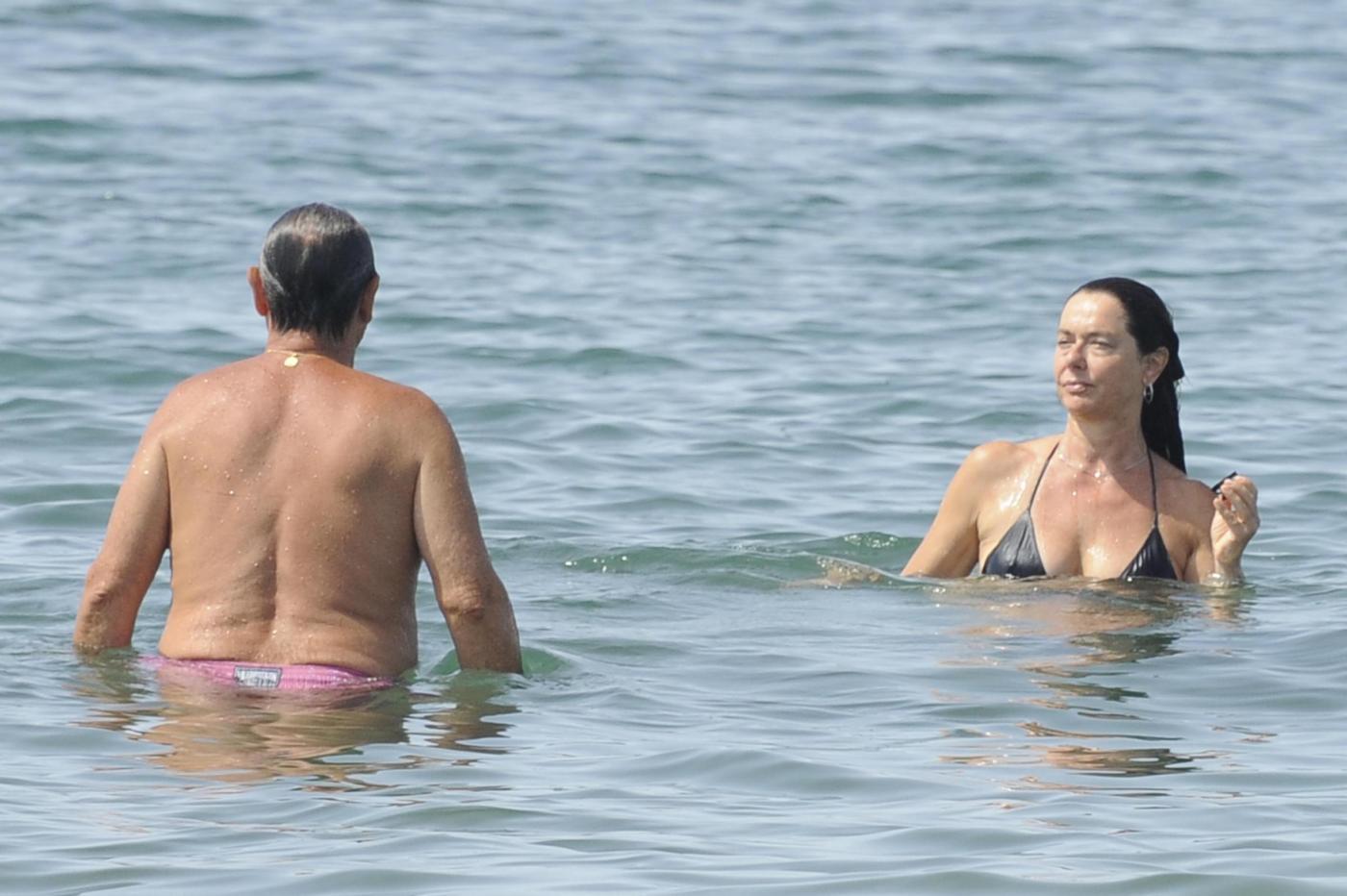 Monica Guerritore con il marito Nicola Zaccaria a Forte dei Marmi 10