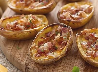 Finger food: barchette di patate con cheddar e pancetta