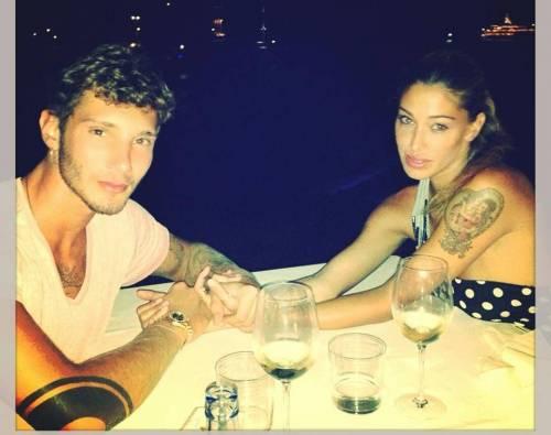 Belen Rodriguez e De Martino: lista nozze. Pentole, buoni spesa...