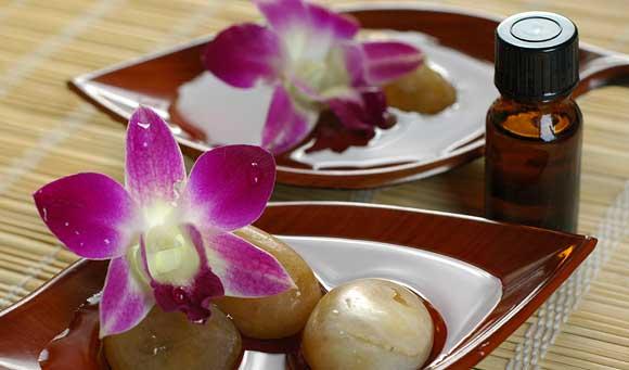 Fame nervosa? Combattila con gli oli essenziali: ylang ylang...