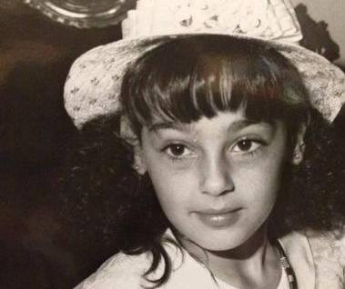 Anna Tatangelo, foto da bimba su Twitter: occhioni dolci e cappellino
