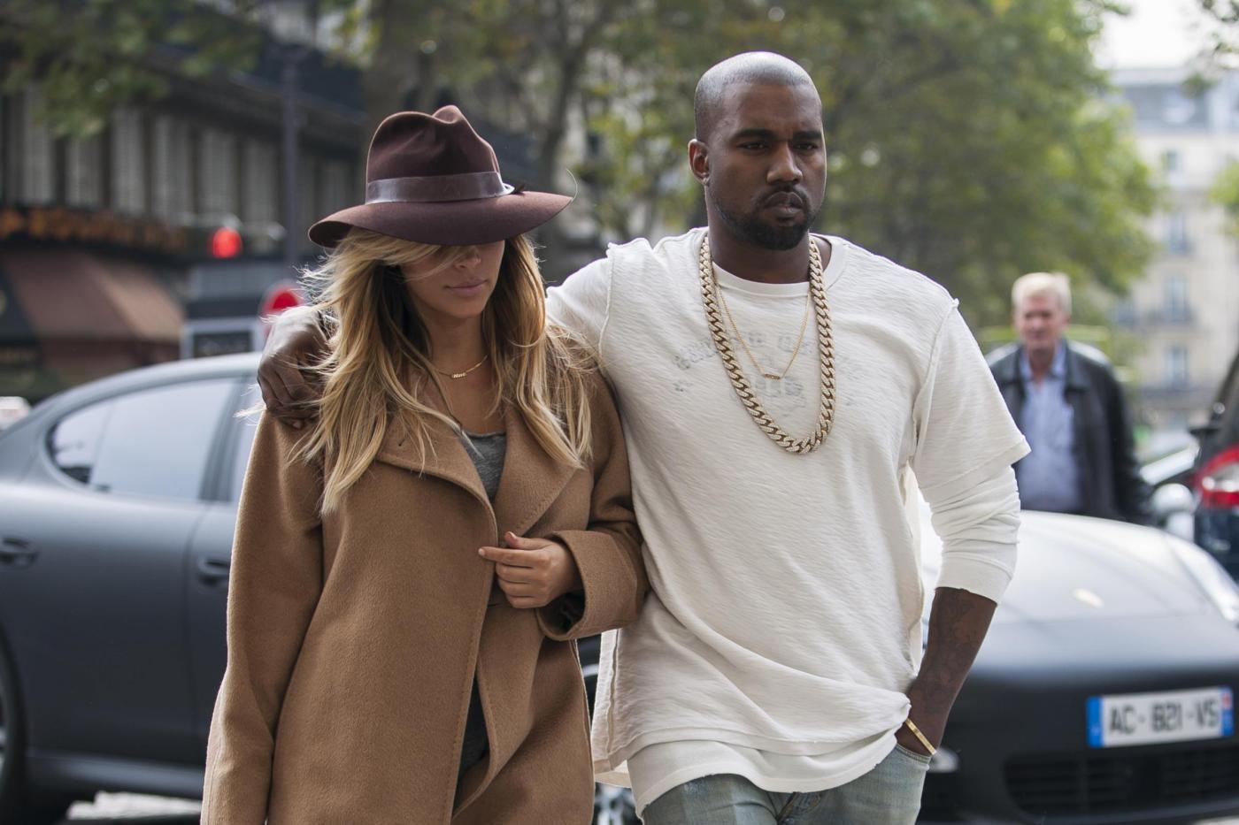 Kanye West picchia 18enne per difendere Kim Kardashian