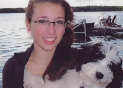 Rehtaeh Parsons, sucida dopo stupro. FB usa foto per sito incontri