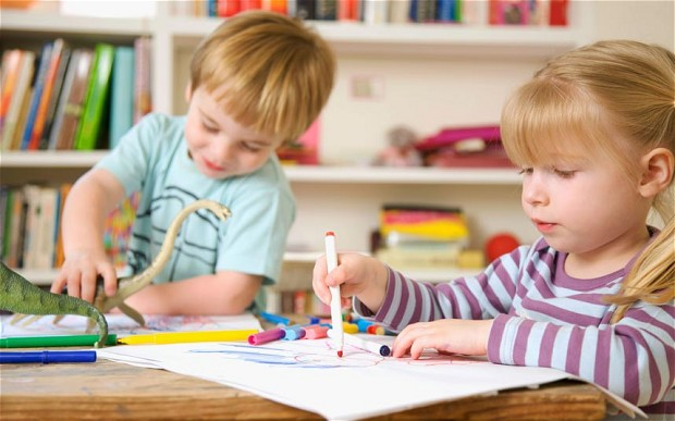 Compiti, merenda e malattie: il decalogo per i nonni-baby sitter
