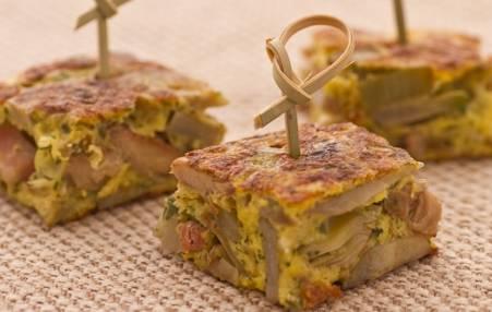 Finger food: frittata con carciofi, funghi e pancetta