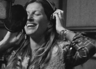 Gisele canta per H&M
