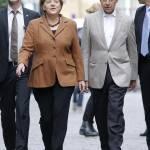 """Angela Merkel e quel suo look studiato e strategico. Altro che """"trasandata""""..."""