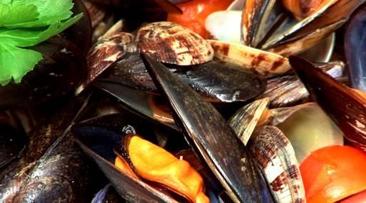 Ricette di pesce: sautè di cozze e vongole