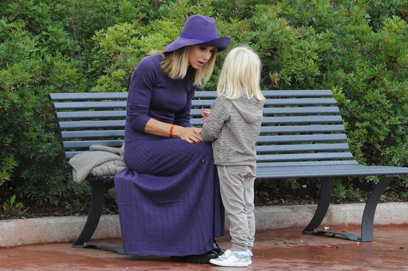 Anna Falchi, Nicoletta Romanoff e figlie a Magicland 08
