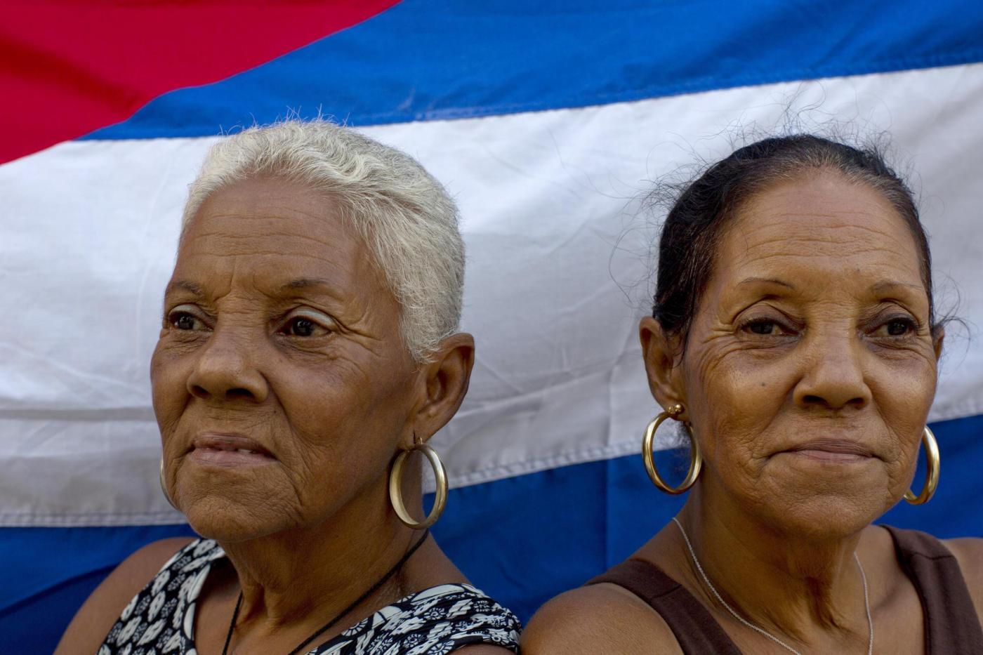 Cuba, quartiere abitato quasi interamente da coppie di gemelli03