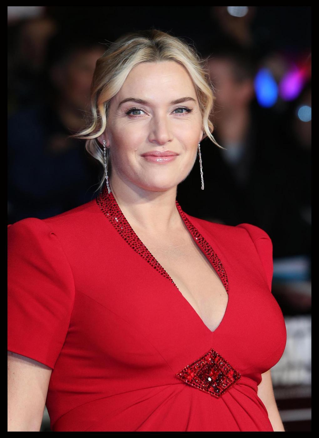 Kate Winslet sul red carpet col pancione della sua terza gravidanza02