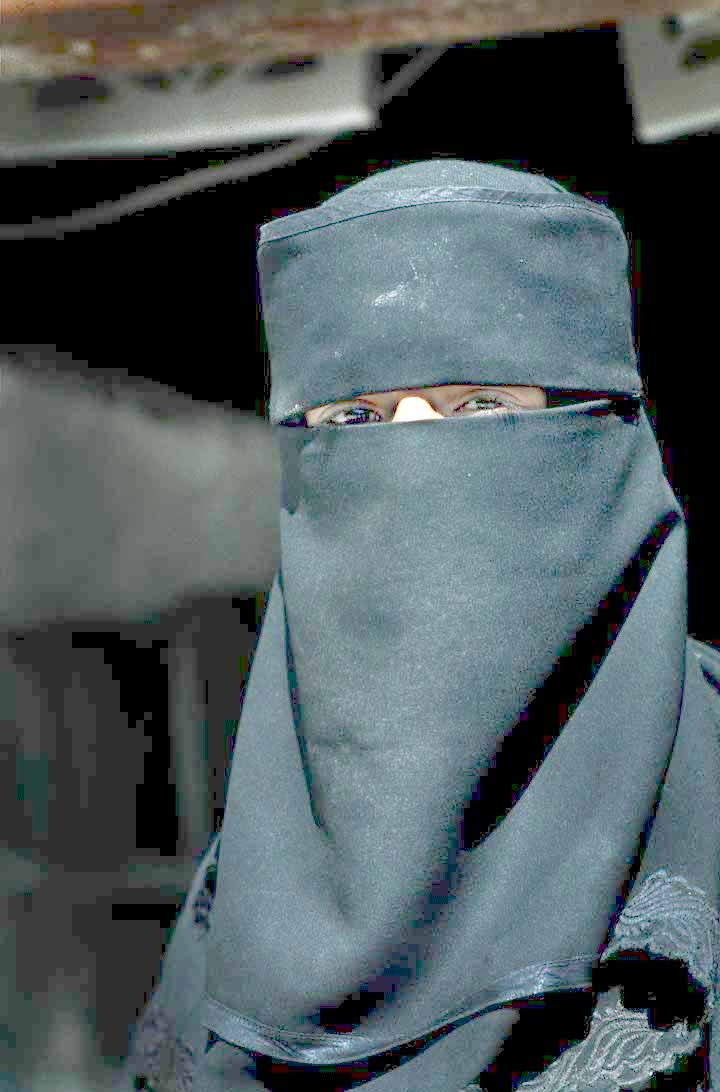Donna_musulmana_in_Yemen