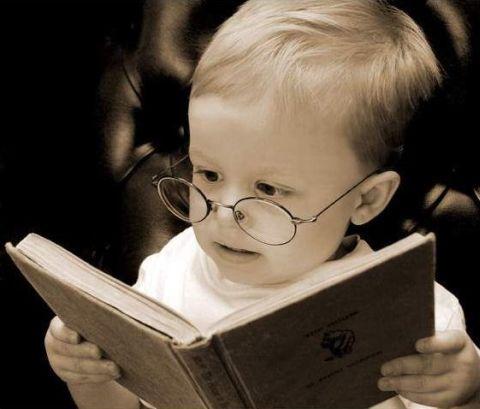 Bambini più svegli e intelligenti se mamma e papà sono istruiti