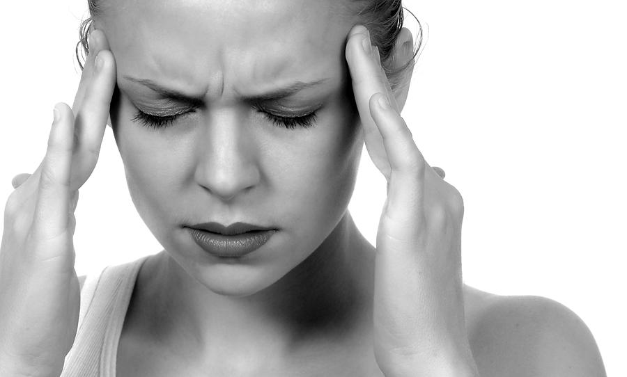Tacchi alti, parrucchiere, ciclo, stress: e viene mal di testa
