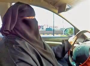 Donne saudite al volante per sfidare il governo (video)