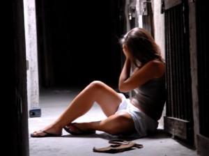 """Modena, ragazza di 16 anni denuncia: """"Stuprata da 5 studenti modello"""""""