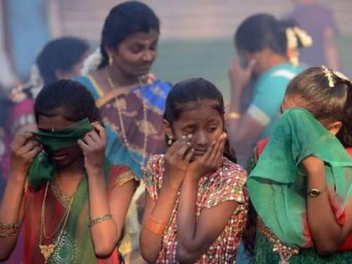 India, 100 bambine abusate in viaggio in treno: 4 ore di incubo
