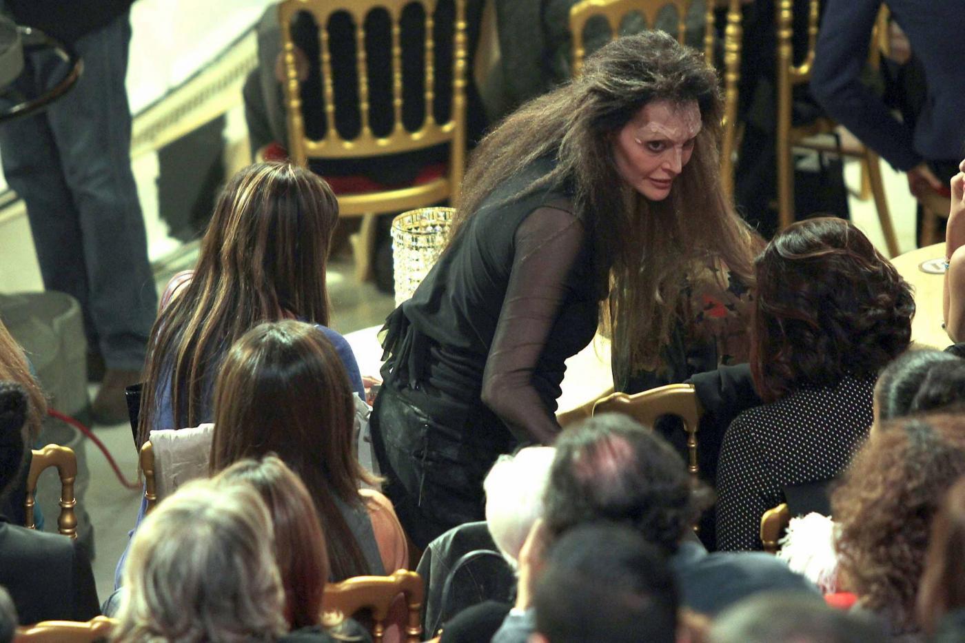 Ballando con le stelle Anna Oxa litiga con pubblico e giudici e lascia lo studio04