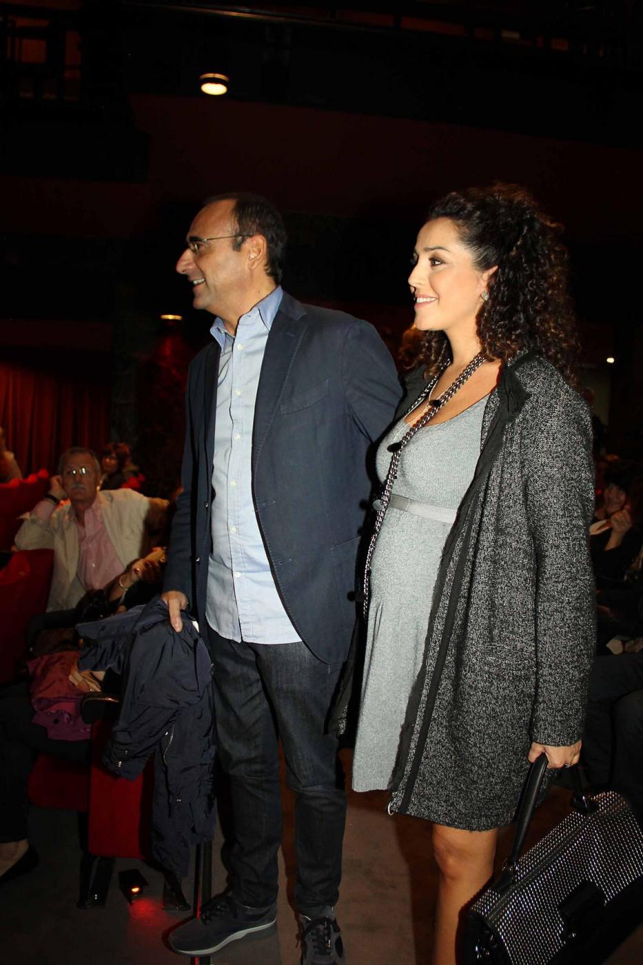 Carlo Conti a teatro con la moglie06