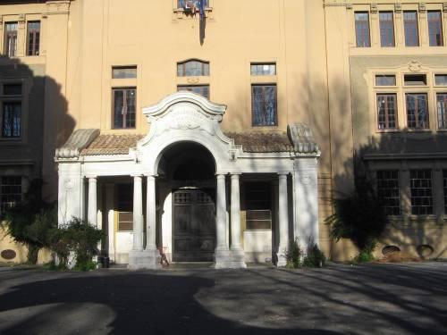 Roma, genitore 1 e genitore 2: liceo Mamiani, addio mamma e papà. È polemica