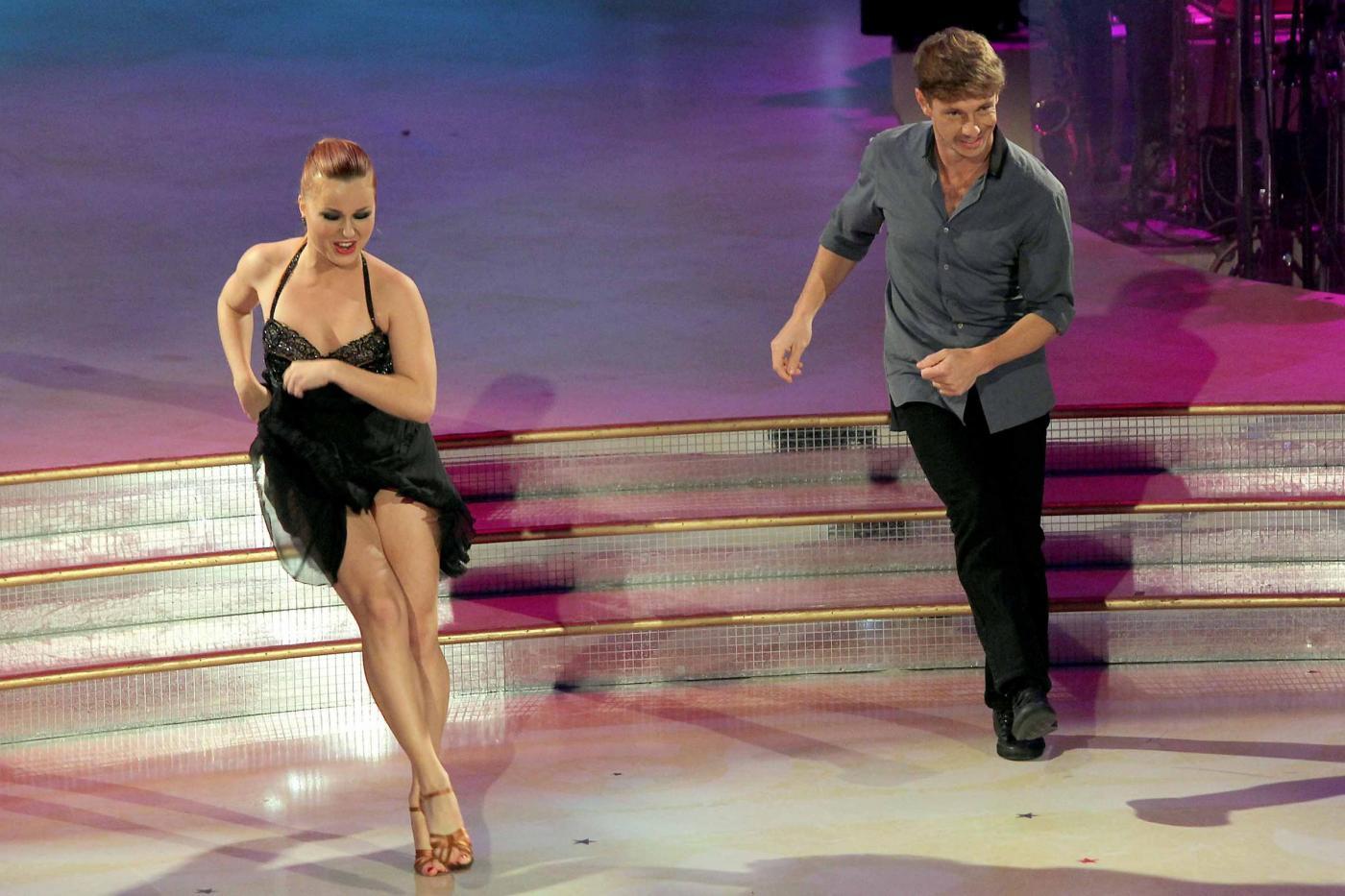 Martina Stella e Giorgio Pasotti ospiti a Ballando con le stelle02