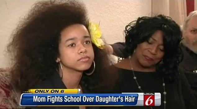 Minacciata a 12 anni dalla sua scuola Si deve tagliare i suoi capelli afro03