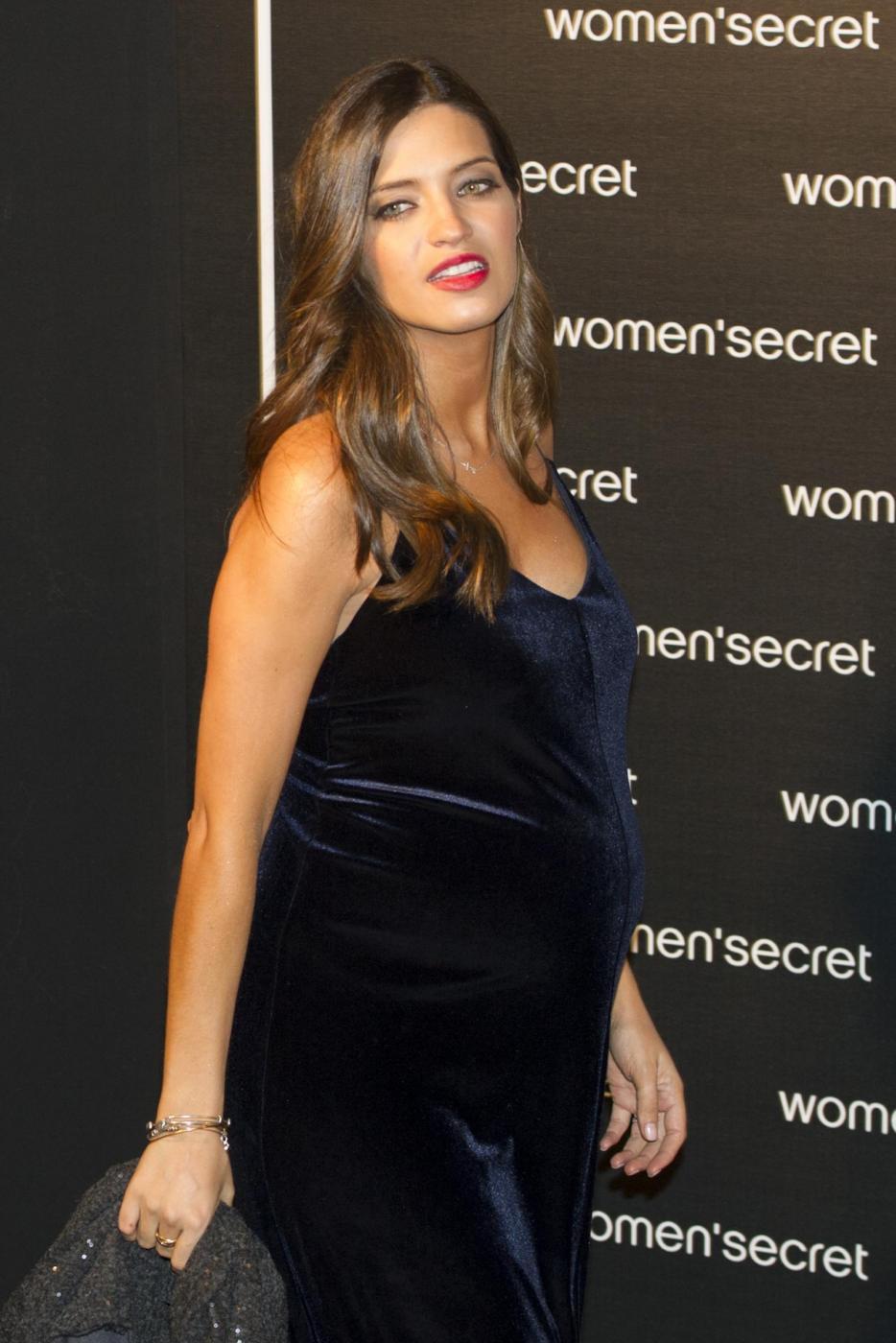 Sara Carbonero incinta alla sfilata di Madrid05