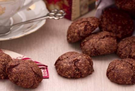 Ricette di dolci: biscotti con cioccolato e mandorle