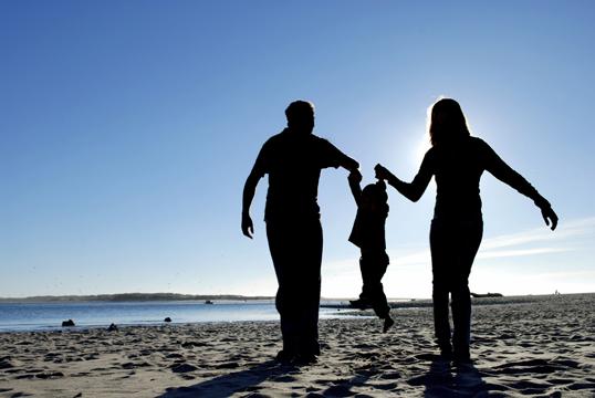 Genitori troppo concentrati sui figli? Meglio: sono più felici