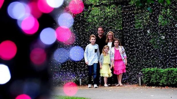 500mila lampadine di Natale nel giardino: famiglia australiana nel Guinness