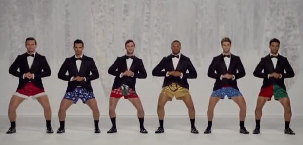 Jingle Bells suonata con i...boxer: la pubblicità Kmart che fa discutere