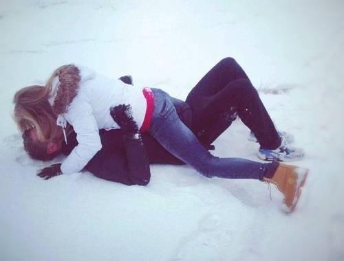 Fare l'amore: agli uomini piace più in inverno. Ecco perché