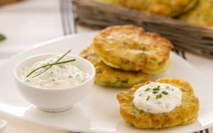 Finger food: pancake salato con salsa speziata