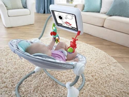 Arriva la poltrona porta iPad per neonati: giusto o sbagliato?