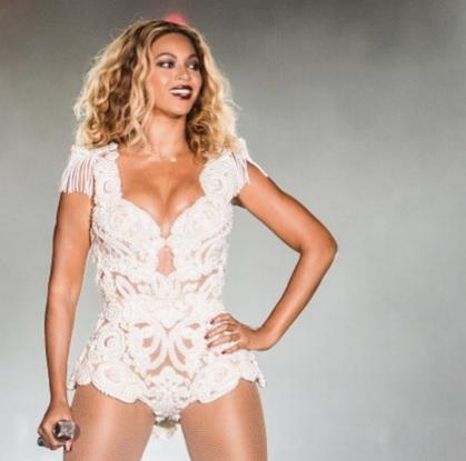 Beyoncé pubblica a sorpresa The Visual Album su iTunes