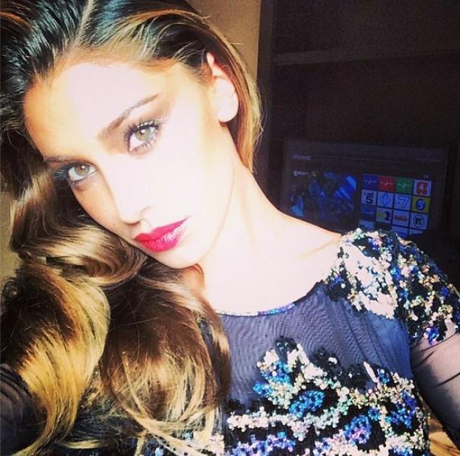 """Belen Rodriguez: """"Vi svelo i trucchi per un selfie perfetto"""""""