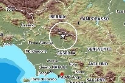 """Terremoto Campania, vicepresidente geologi: """"Dormite fuori casa"""""""