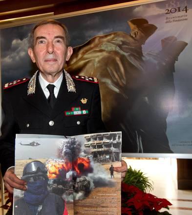 Carabinieri, il Calendario 2014 che celebra i 200 anni dell'Arma03