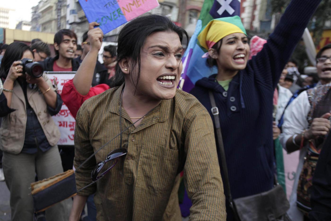 """""""Depenalizziamo l'omosessualità"""". In migliaia sfilano in tutta l'India 07"""