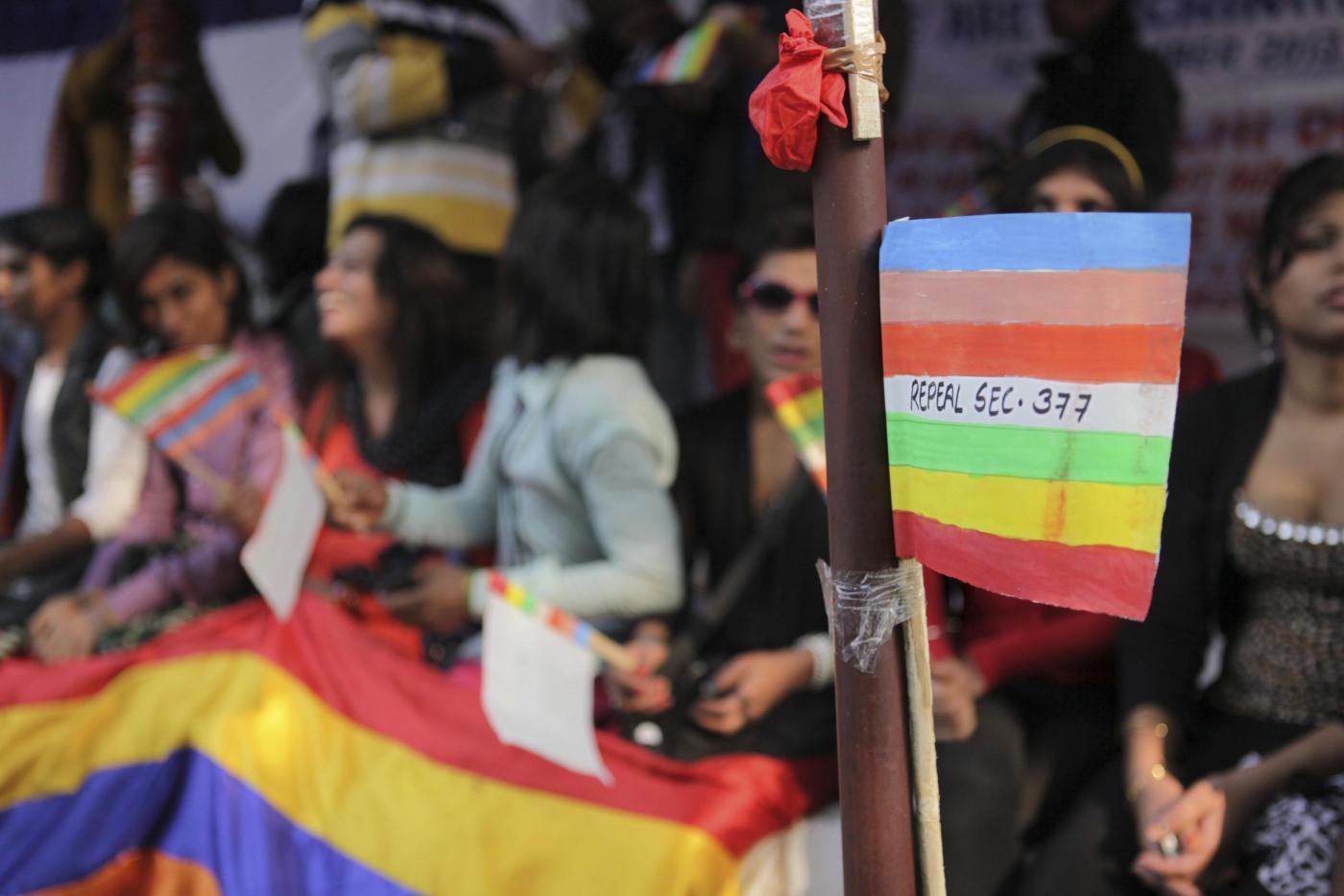 """""""Depenalizziamo l'omosessualità"""". In migliaia sfilano in tutta l'India 06"""