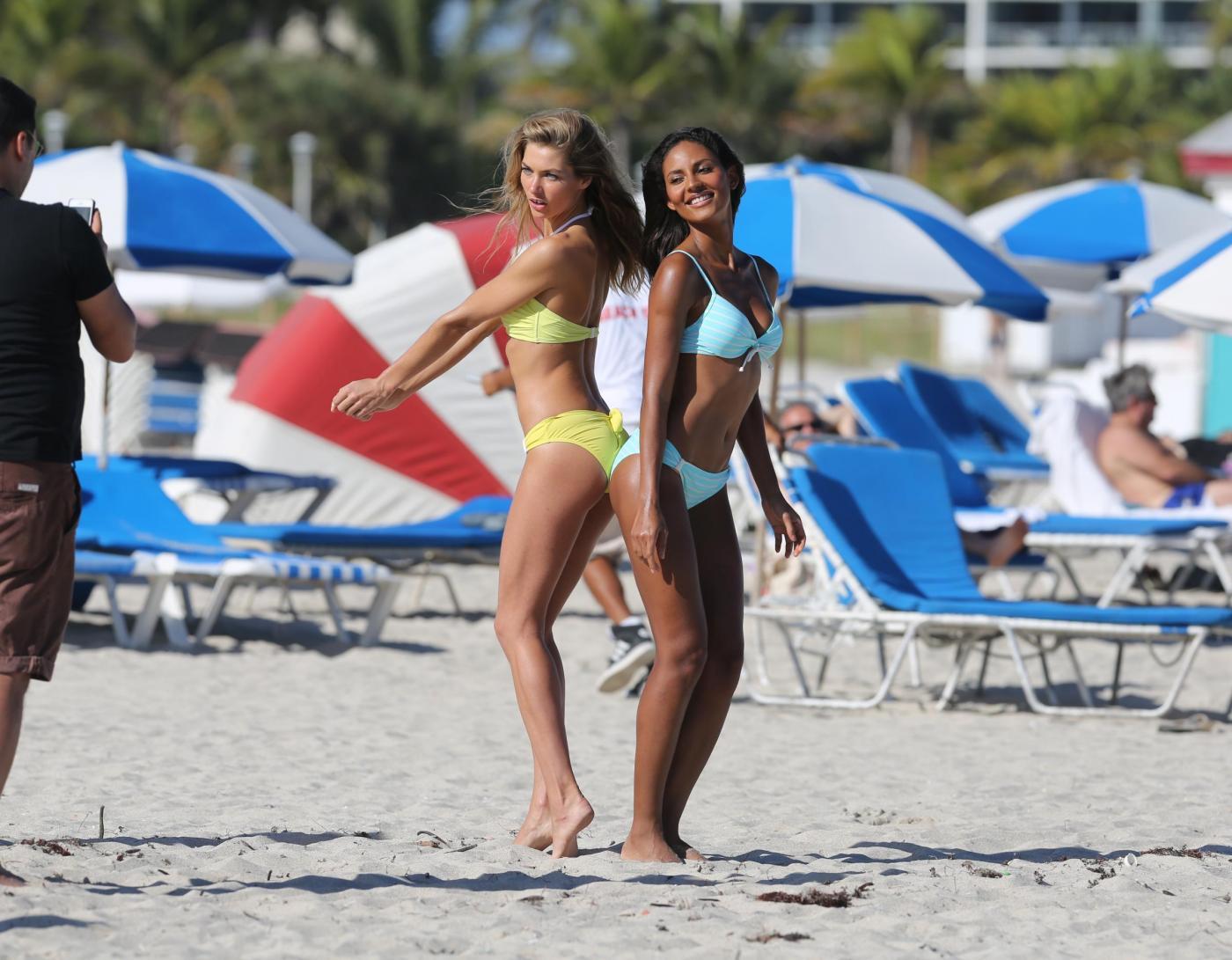 Jessica Hart e Emanuela de Paula 01