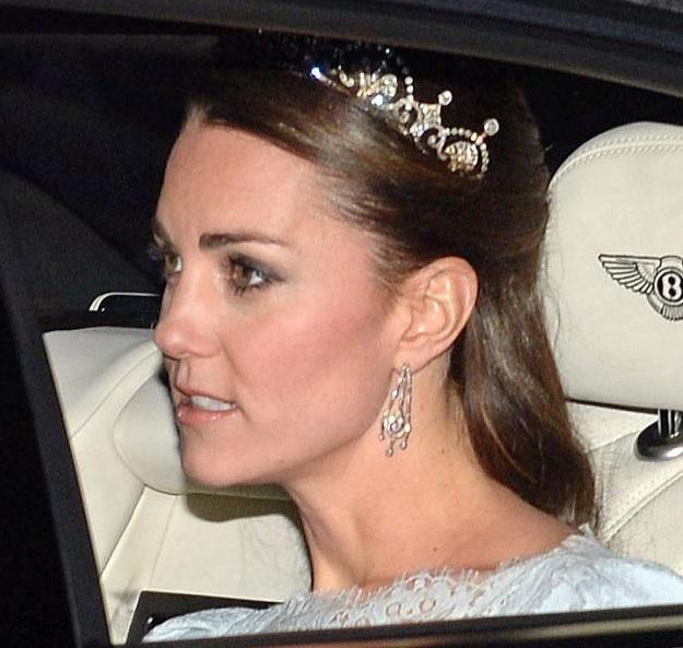 Kate Middleton indossa la tiara della regina Elisabetta al ricevimento