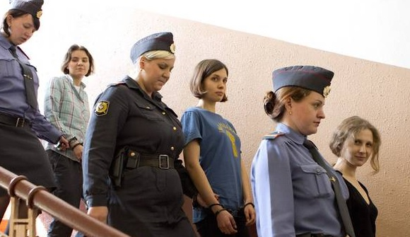 Pussy Riot libere entro fine anno corte suprema revoca verdetto