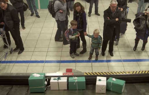 Natale, desideri diventano regali video della WestJet
