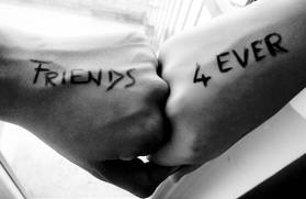 Amicizia vera esiste, ma solo se dura più di 8 anni