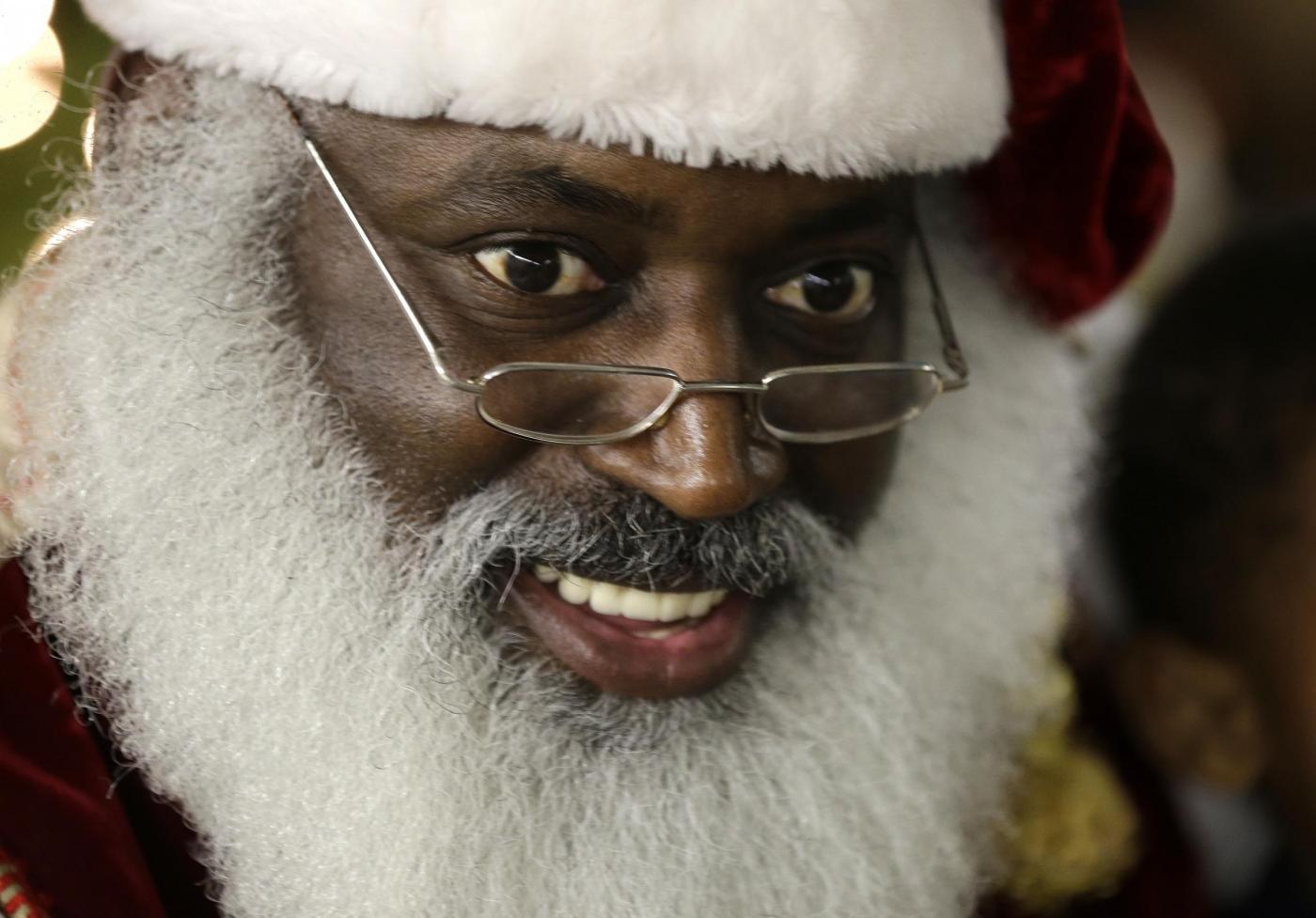 """Usa, il Babbo Natale afro-americano e il """"Tex Mex Claus""""02"""