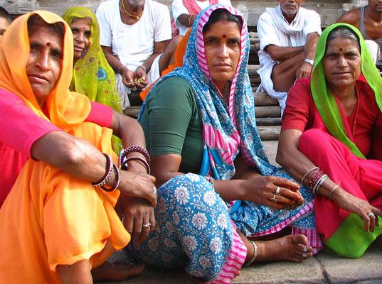 India, le banche scoprono le donne: nuovo target per carte di credito