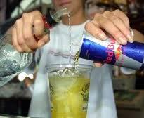 Se bevi red bull o energy drink hai più probabilità di ubriacarti