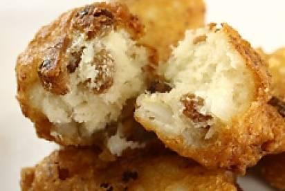 Finger food: frittelle di baccalà e uvetta