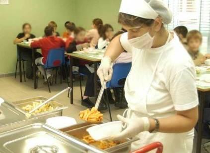 Mense a scuola, dieta anti obesi: più frutta, fibre, meno carne...